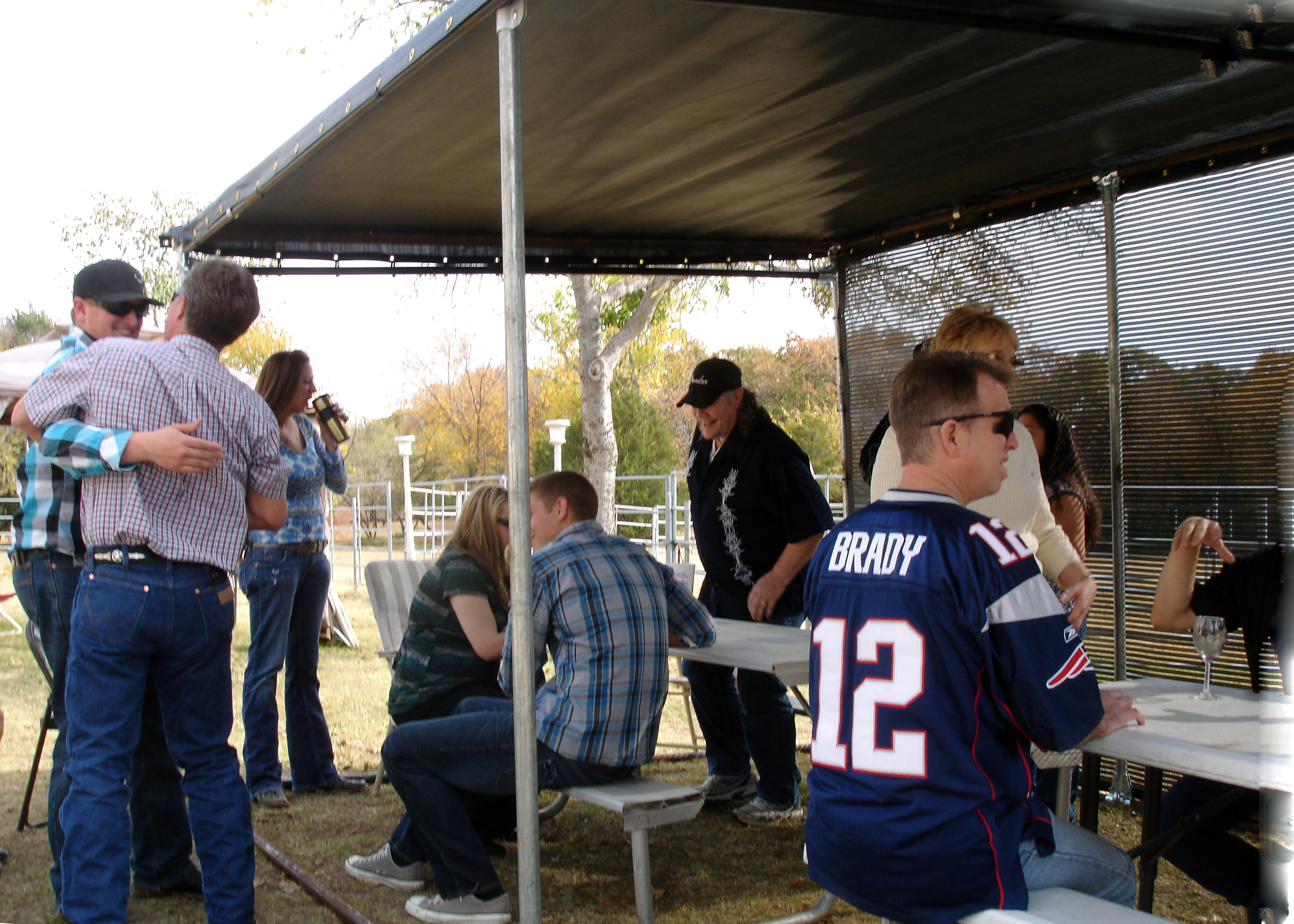 Portable shade screens provide protection from the elements for outdoor seating making it more comfortable and protected. Windscreen Supply screens are used by home owners, businesses and restaurants.