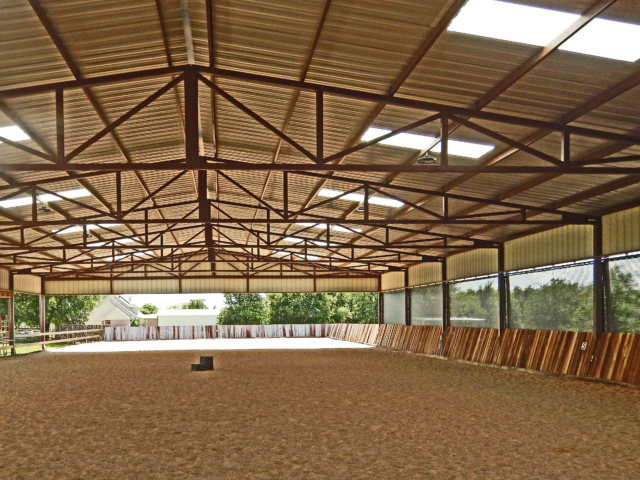Arenas and barns can be used year round when ventilated shade screens are installed adding privacy, reducing outside distractions, and lessening harsh weather elements all while keeping an open air atmosphere. great for use in Louisiana, Oklahoma, Florida, Arkansas and eastern areas as well as the west coast.  Ships nation wide.